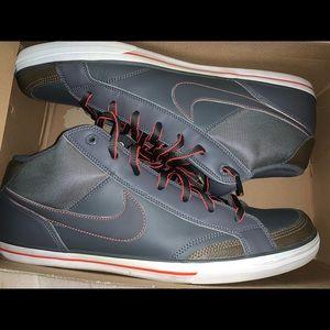Nike Men's Capri Sneaker